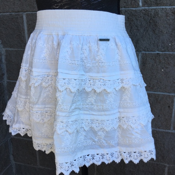 ☀️3/$25 Abercrombie & Fitch Lace Eyelet Skirt